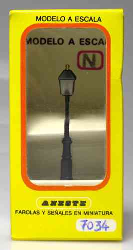 ANESTE 7034 Farol antiguo calle 44 mm. Escala H0