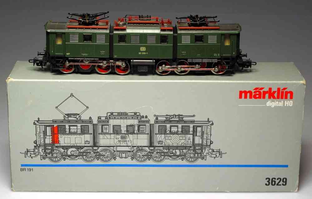 MARKLIN 3629 Green Locomotive BR 191 (SEMI-NEW)