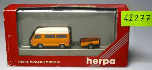 HERPA 42277 works with orange towing vehicle