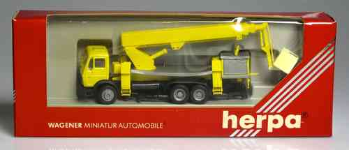 HERPA 806066 Mercedes-Benz truck crane yellow (STRESSED-IMPORTANT READ NOTE)