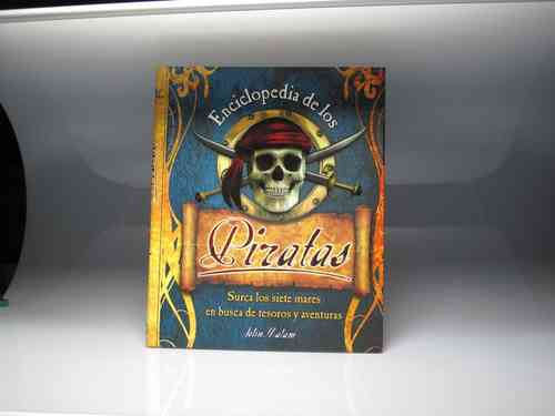 "Book ""ENCYCLOPEDIA OF PIRATES"" John Malam (PREOWNED)"