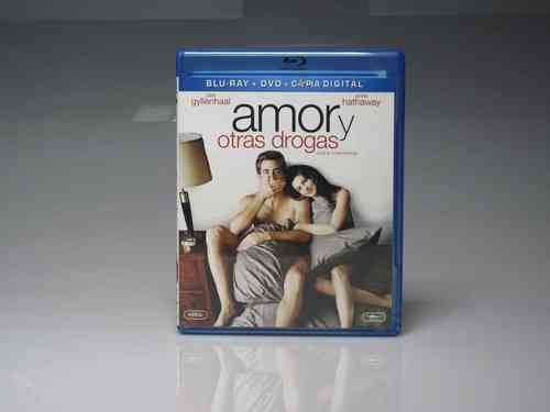 "Blu-ray Disc + DVD ""Love and Other Drugs"" (SEMI-NEW)"