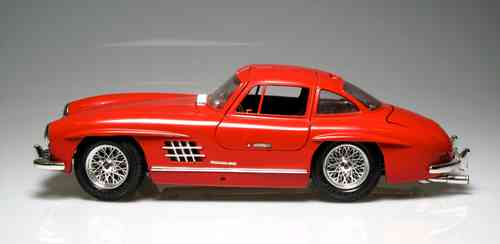 Mercedes Benz 300 SL metallic (1954) Scale 1:18 (NEW-NO BOX)