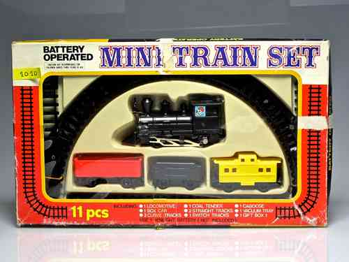 "Toys ""mini train"" (battery operated not included) To start ..."